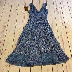 Jane Ashley v- back-neck blue floral dress